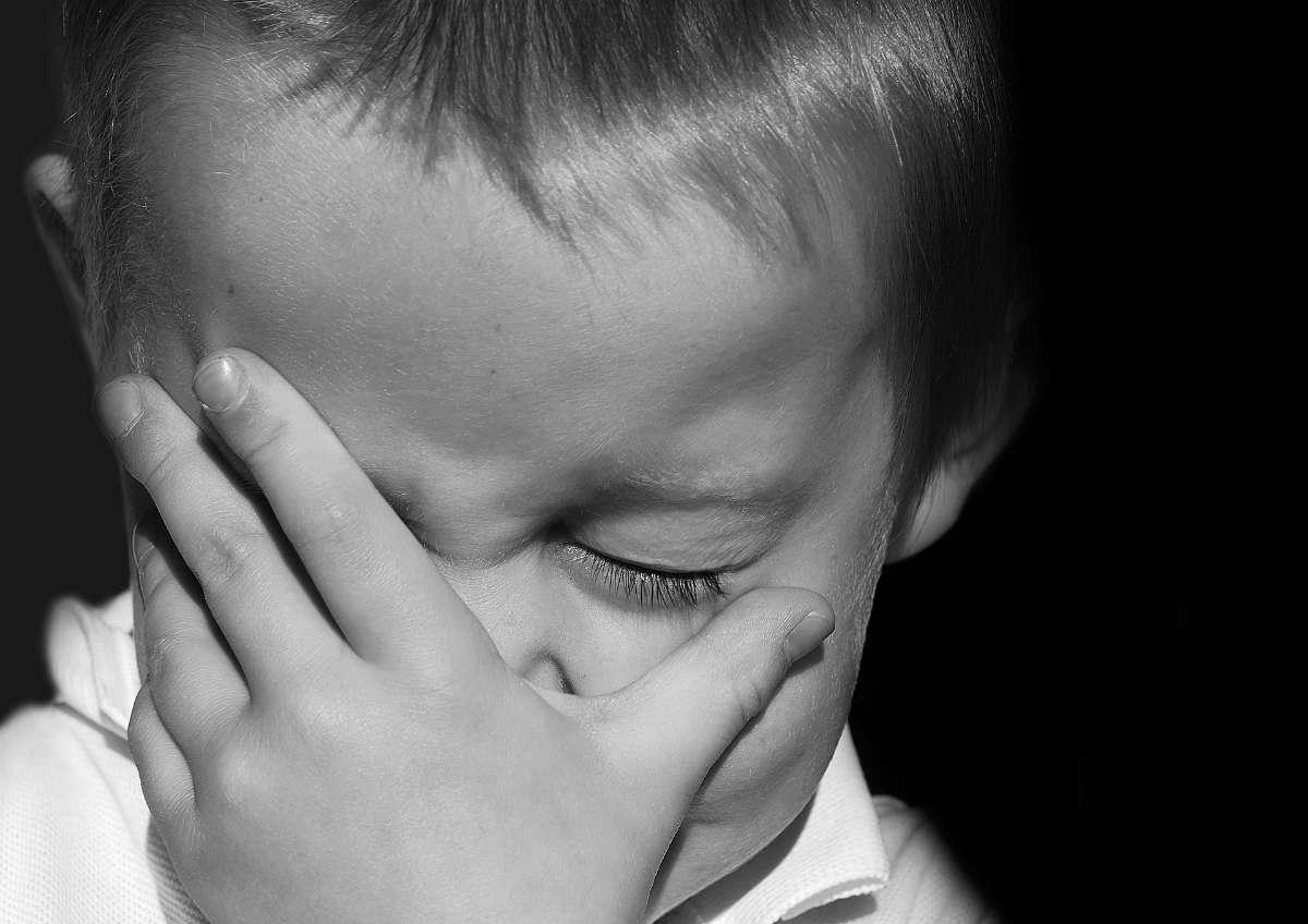 对学前儿童,即使出现以上几种语言症状,家长也不要盲目认为他有语言发育障碍,最好送他去专业机构检查。
