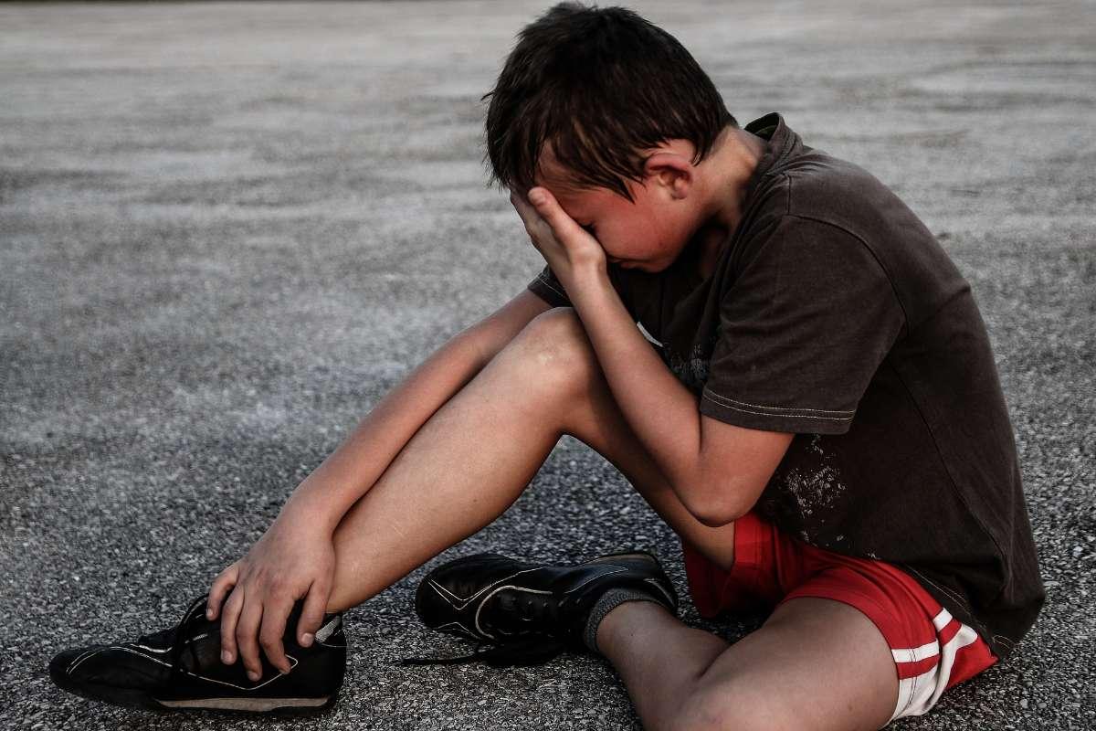 许多多动症儿童常会为了一些小事就莫名其妙与别人争吵,让别人难堪,使自己与别人之间的关系疏远,