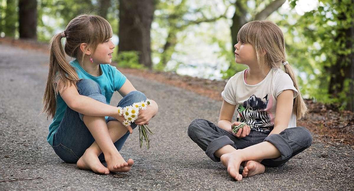 积极为孩子创造交往空间,改善孩子的交往能力
