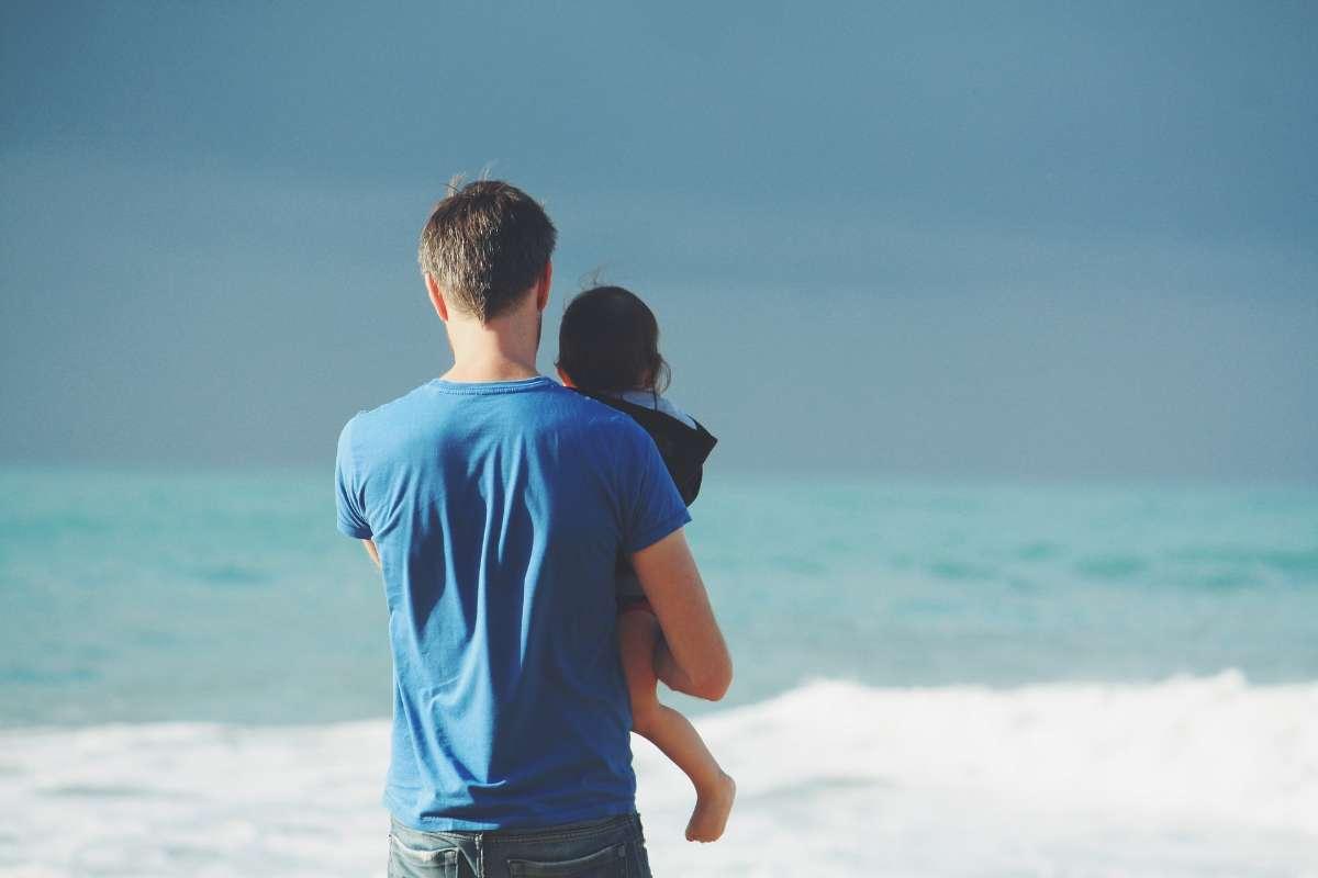 漫长的治疗过程中,父母也要适当调整自己的情绪,以免影响孩子