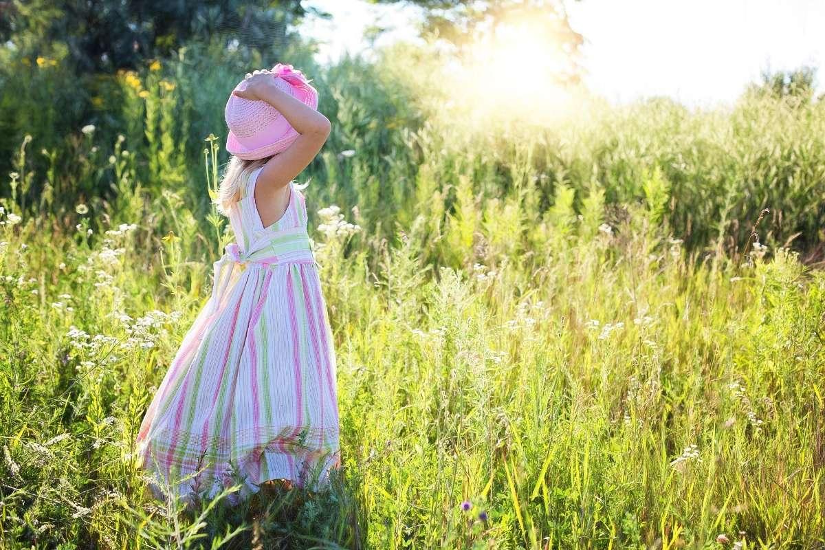 8岁女孩乳房发育正常吗