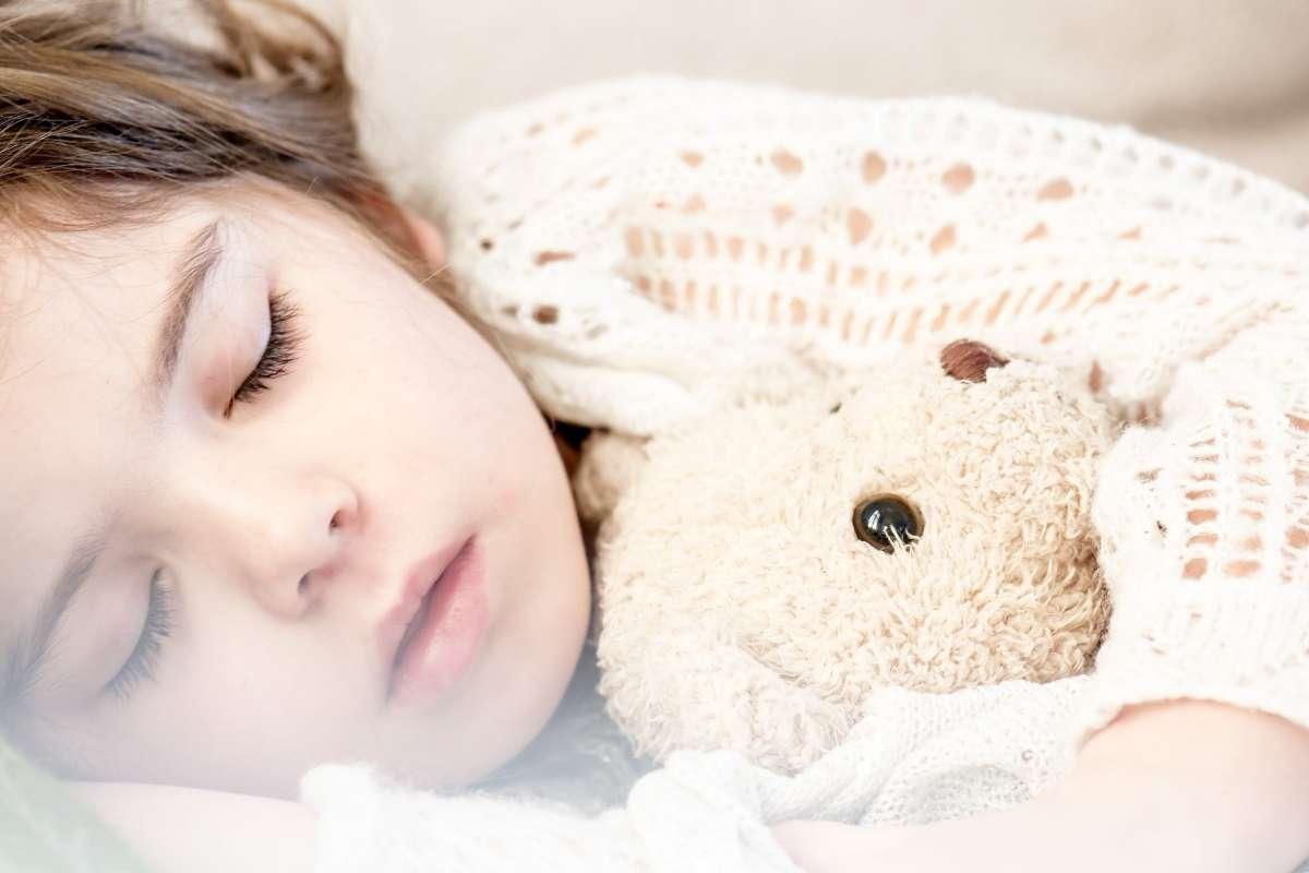充足的睡眠有助于生长发育