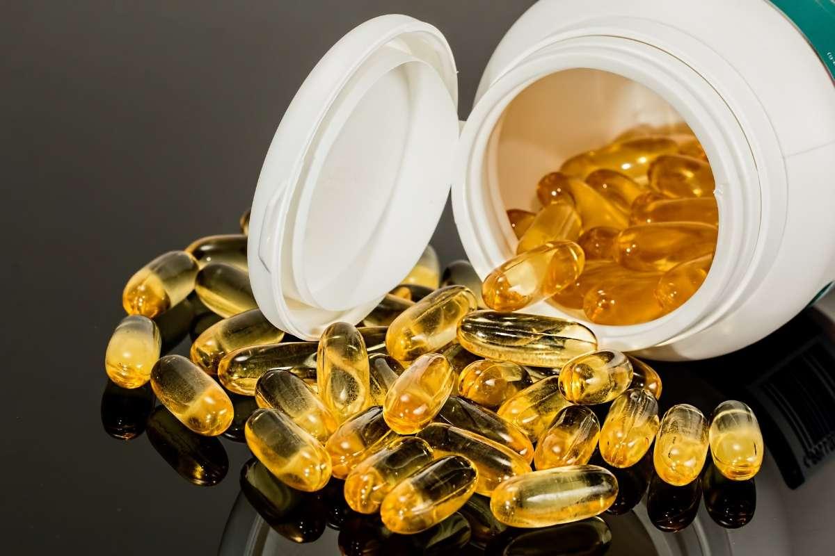 以钙、维生素D氨基酸为主的营养补充剂。