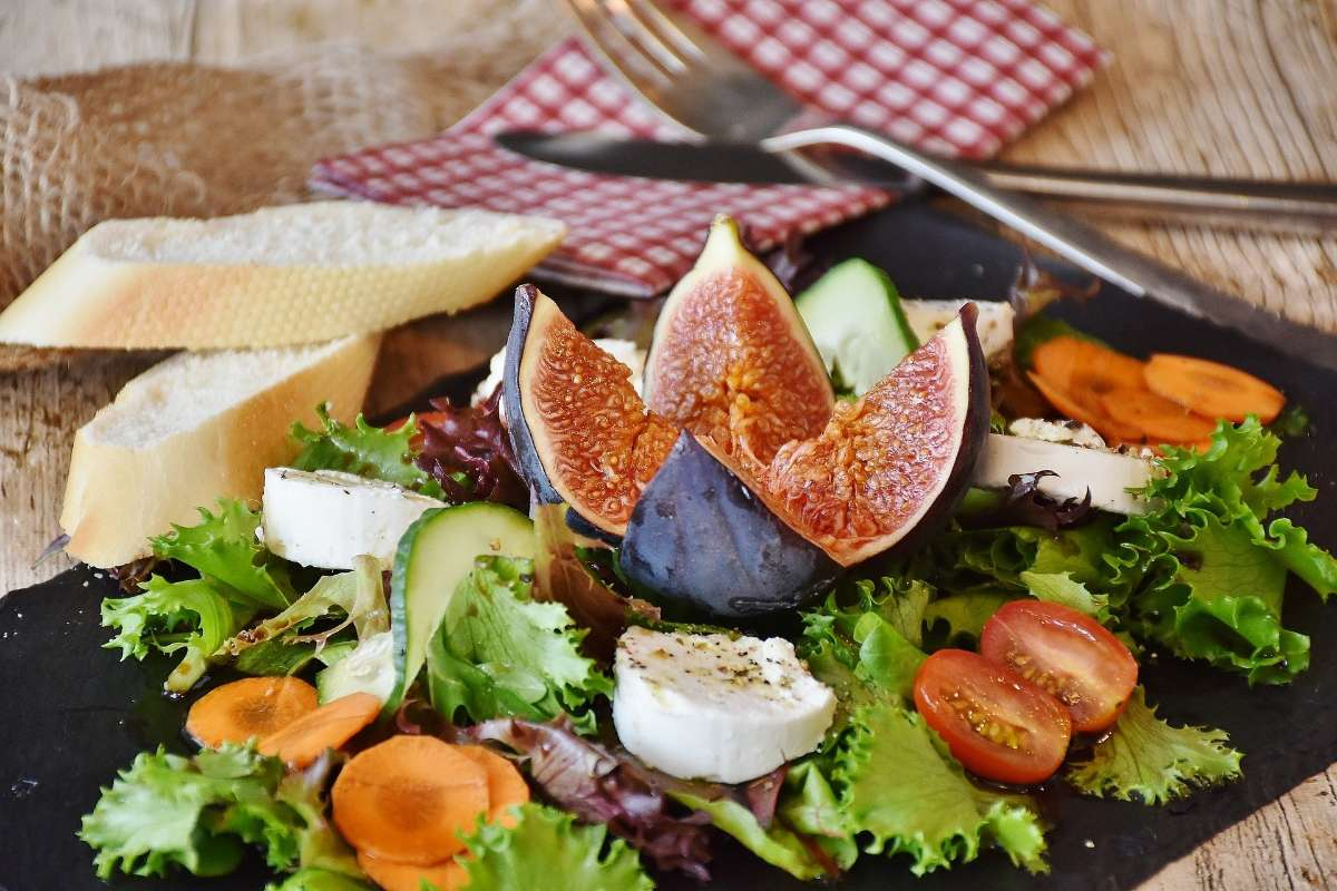调整饮食结构,饮食要清淡