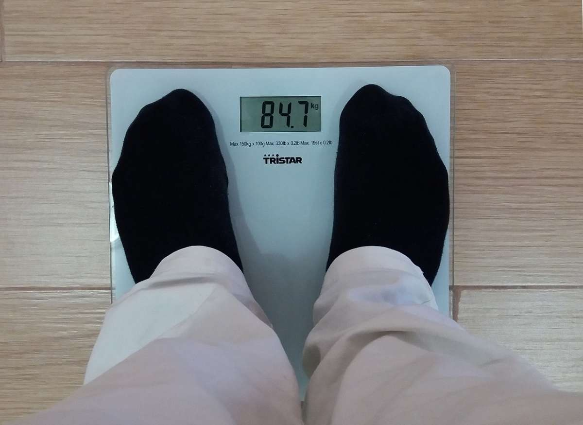 肥胖如果在青春期前不加以控制,不仅会影响增高,还会导致成人肥胖。